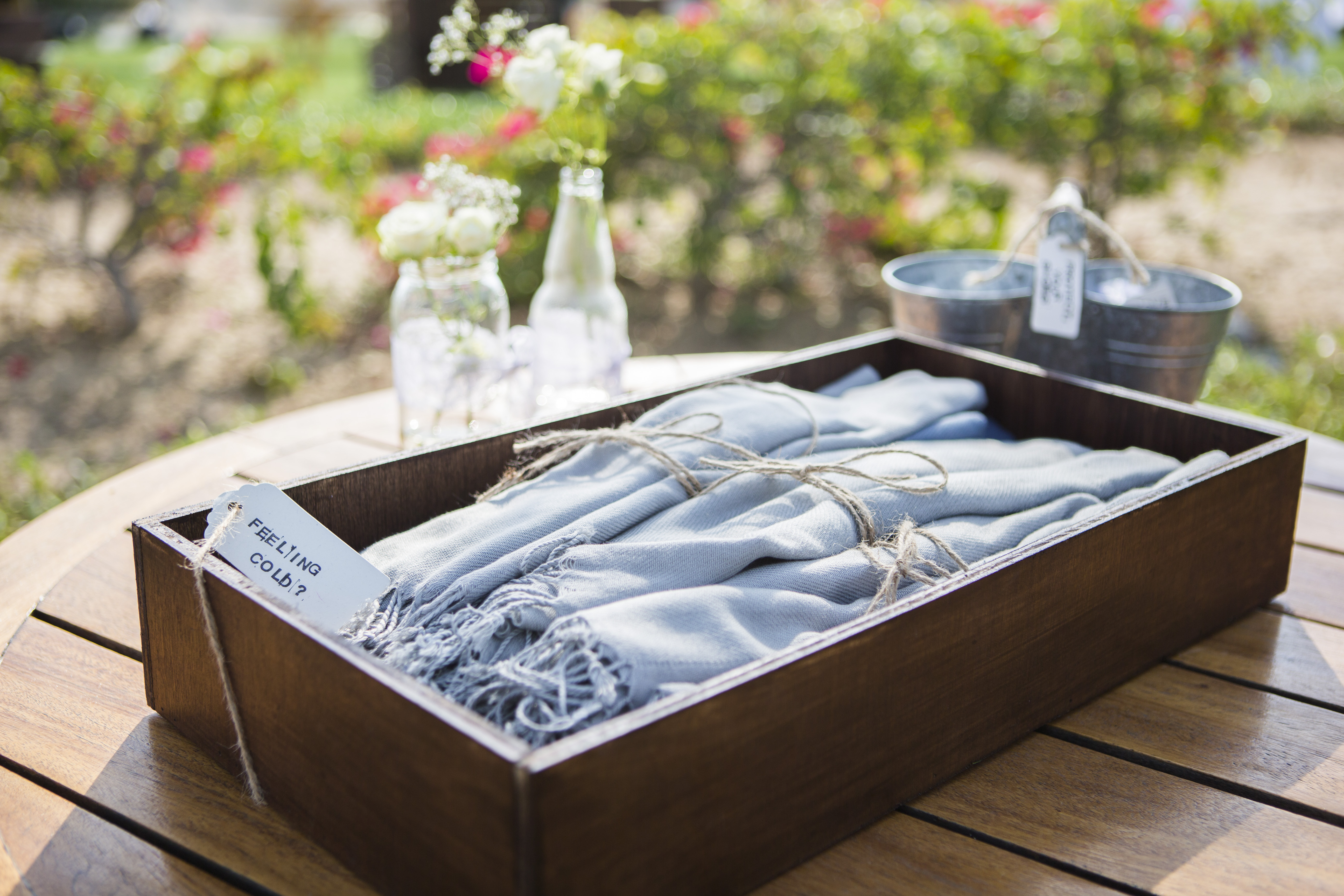 The 2 outdoor wedding must-haves… ♥