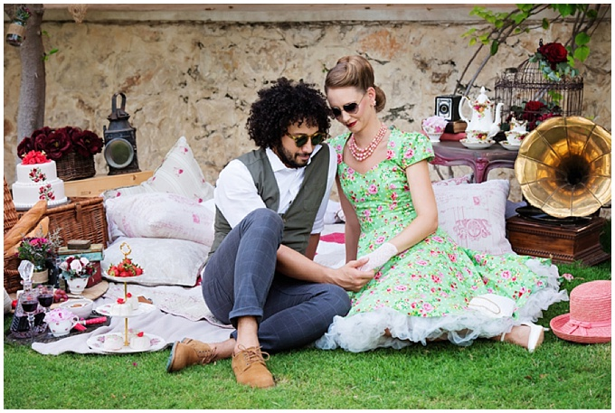 Vintage Styled shoot created by vendors in Dubai. Photography by Jacqui Nightscales Photography