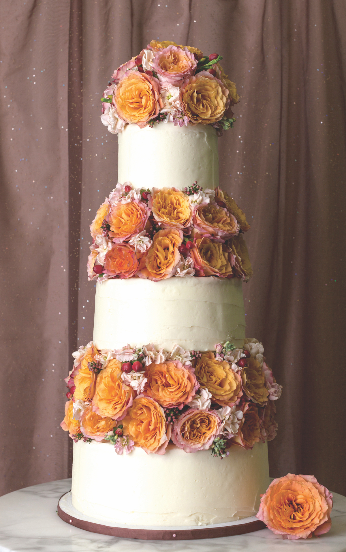 The prettiest wedding cakes from Magnolia Bakery…style inspiration