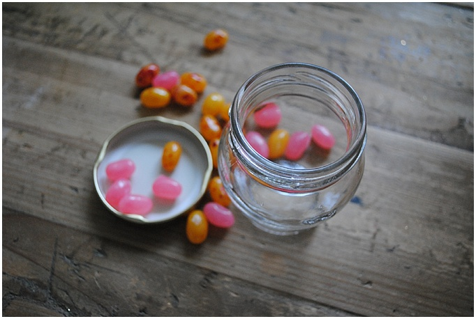 DIY wedding favours – Candy in mini glass jars…{so cute & budget friendly too}