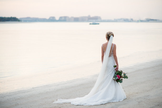 A Dubai beach side wedding | photographed by Bernie & Bindi